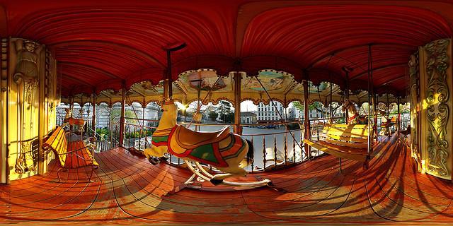 Door Alexandre Duret-Lutz, http://freepictures.cc/image/carrousel-de-montmartre